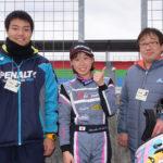 (10)2位を獲得した村松選手。アドバイザーの石川京侍選手と。